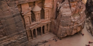Petra, Jordon (Photo by Ahmad Qaisieh on Unsplash)